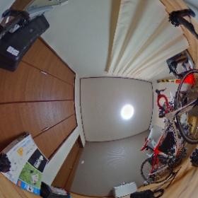 INSPIRE1に乗っけたTHETAからの360°映像。  INSPIRE1がガッツリ映るけど、それはそれでかっこいいかな? #theta360
