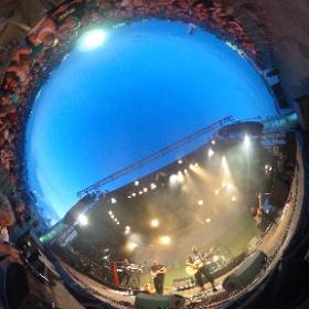#büsum #njoythebeach Verzücktes Publikum bei Kelvin Jones live in Büsum