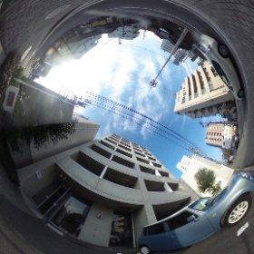松山市のデザイナーズ賃貸マンション、オリジナルボックス28の敷地南