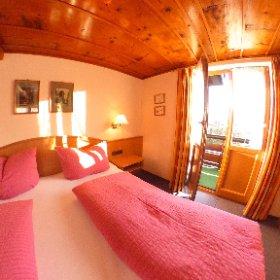 Ferienwohnung Nr. 2 mit Balkon und toller Aussicht auf das gesamte Kleinwalsertal