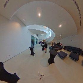 virtualtour 360 ° en direct du Musée national des beaux-arts Québec conférence de presse dans 5  minutes  #theta360
