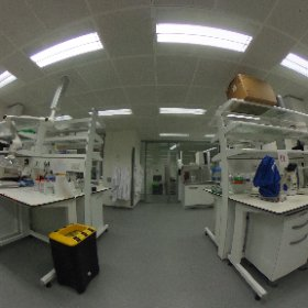 Take a tour of the @EM_STP @TheCrick - the embedding lab