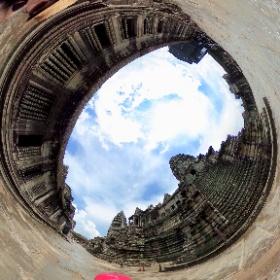 2027-02, Angkor Wat - Camboya con mi chocherita!!! #theta360