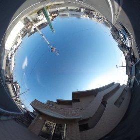 松山市の賃貸マンション、ブライムシャノンのエントランス前