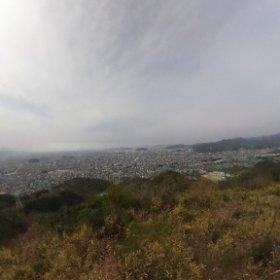 2016年、初登頂!淡路ヶ峠展望デッキから、パノラマ撮影しまTHETA!あいにくの薄曇りだけど、登っただけで汗だくww