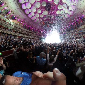 @MarillionOnline @PeteTrewavas @RoyalAlbertHall. Nothing like a white out and an confetti cannon to end the night.  #theta360