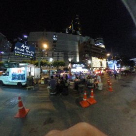 Aroi Food Truck in Suk Soi 19 tasty cheap price food and drinks, background music and seating to view nightlife activity at busy Suk Soi 19 intersection, SM hub https://goo.gl/7v3Iql   BEST HASHTAGS #AroiFoodTruck  #BkkStreetBar    #BtsAsoke  #firefly3d