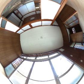 鹿児島市唐湊3丁目 一戸建て貸家の縁側。5DKⓅ2台つき #theta360