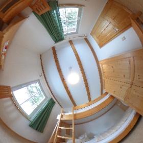 Das gemütliche Zwei-Bett-Zimmer in einem der insgesamt 5 Gästehäuser des Naturschutzzentrum. Die Ferienhäuser sind beheizt und können das ganze Jahr angemietet werden. #theta360 #theta360de