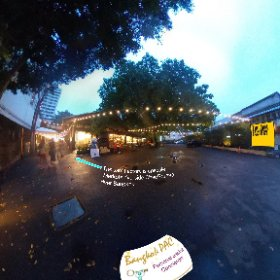 The Jam Factory trendy riverside markets and Klong San with monster Bohi trees SM hub https://goo.gl/KKeMNL BEST HASHTAGS #TheJamFactoryBkk  #BkkDining  #ChaoPhrayaRiverSpot  #BkkZoneKlongSan    #BkkFamilyFun  #butterfly3d