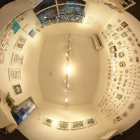 デザインフェスタギャラリーで今日から始まった、切り絵作家の大橋忍さんの個展にお邪魔してきました。今回は展示されている作品がとにかく盛りだくさん! #theta360