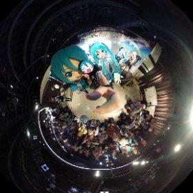 DAIBA de DIVAミニライブ出演後のミクさん&ミクダヨーさんと3ショット。ハイポーズ♪ #miku360 #contest  #theta360
