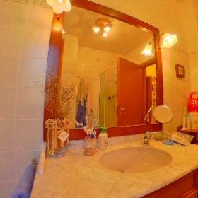 Sambuca vendesi ampio trilocale con 2 terrazze, ampio soggiorno con angolo cottura, nella zona notte si trovano 2 camere 🛌e 2 bagni 🚾, See more at ⬇️⬇️⬇️ www.chiantifiorentino.it/R-6969 #chiantifiorentino #immobiliare #newentry #casa #👍 #theta360it