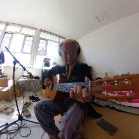 「ファンキーはんと大村はん」末吉のギター部分レコーディングちう〜