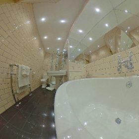 I like the bathroom in my hotel...  #theta360 #theta360uk