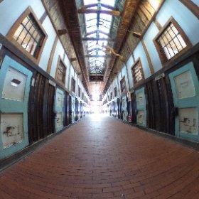 脱獄囚を見つつ、北方民族博物館に行きます #theta360