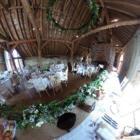 #Grittenham Barn all set for Charlotte and Wig's fab #wedding