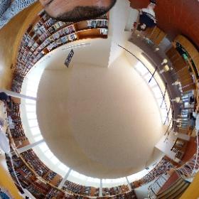 セイナヨキ図書館内観 2018.8月