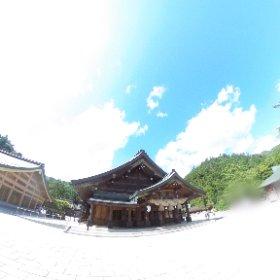 出雲大社 拝殿 露出オーバーで飛んでます。VRでバイク旅 日本一周【49日目】http://www.merkurlicht.com #theta360