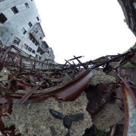 軍艦島体育館の360度画像。  屋根は崩壊しています。    長崎市に特別の許可をもらって上達しています。 #theta360