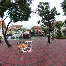 Kwam Rian Floating Markets in Minburi 25km north of Bangkok, weekend markets, on canal at temple Wat BumPen, SM hub https://goo.gl/tpfNOm BEST HASHTAGS #KwamRianFloatingMarkets  #BkkMarkets  #BkkFamilyFun    #BkkAchiever   #BpacApproved   #butterfly3d