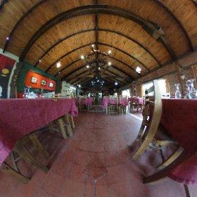 Fondo de comercio e inmueble de Restaurant Parrilla en Venta el Los Reartes. Con vivienda. Ref L081 www.praediabrokers.com.ar