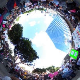 This 360 format was made these types of events! (I have no connection to RICOH)  #WomensMarchLA #popup360newsroom Now if RICOH will allow simple things like oh...how about editing any text on image once posted without deleting and reposting #theta360