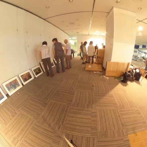 本日から写真仲間と写真展スタートです。ただいま準備中。9月20日まで 「里ほっと 見沼たんぼ 写真展 悠なる四季彩度」   9/19、20  14:00から風景写真家 佐藤尚のギャラリートークあり。皆さんお気軽においで下さい。   #写真展 #photo #見沼 #浦和 #パルコ #さいたま市民活動センター  #theta360