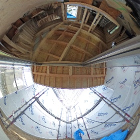 □haus-duo□ 1階中庭とリビング。外壁下地のハウスラップが張られて少しそれらしくなってきました♪ #hausduo #haus #一級建築士事務所haus #リビング #中庭 #注文住宅 #デザイン #設計 #工事 #theta360