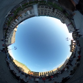 Schon schön voll hier auf dem Pariser Platz #theta360 #theta360de