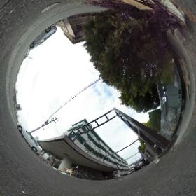 COSMO外観、駐車場。