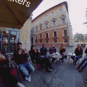@journalismfest - The brave Sunrise Film Walkers : The Thursday cappucuno debrief in 360 degrees. #IJF17 #MoJo #FilmWalk
