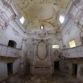 Abandoned chapel #abandoned #decay #theta360