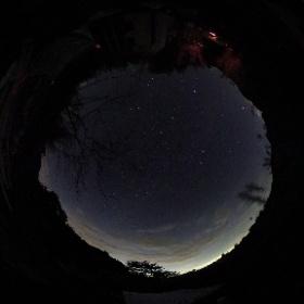 「あの村」の星空(2017年11月11日)バルブ25秒間撮影写真
