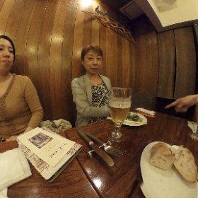 【勇者のちらしゼミ同窓会】   昨日は、勇者のちらしゼミ同窓会でした。   2期生のうさみんのイタリアンレストランで 美味しいイタリアンをいただき、ちらしの 話やPOPの話、勉強になりました💕   パーチェマンもイラストそっくり(*´Д`*)   また行きたいお店です╰(*´︶`*)╯♡ #theta360