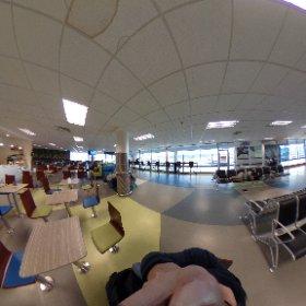 ポートモレスビー空港。ラウンジ