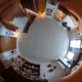 Pila - Cond. Bellevue magnifico alloggio su 2 piani  con due camere da letto e con box auto chiuso.