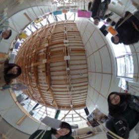 加美町の上多田川小学校にて。ワークショップの仕上げ作業を終えて。