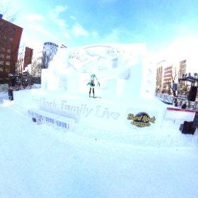 きました!雪まつり! ミクさんも昼間はステージの上で記念撮影!!!楽しそう! #miku360 #theta360