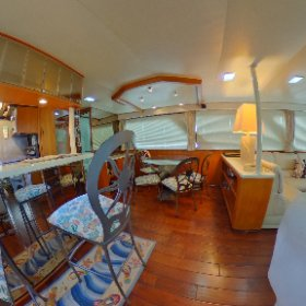 360 view Lien Hwa Pacifica 62 dining room lovethatyacht.com #theta360