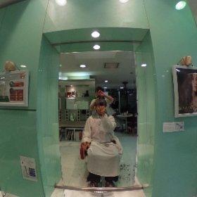 キレイなおねえさんに髪を切ってもらいまシータ #theta360