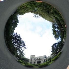 東京庭園美術館の前にたって。Tokyo Metropolian Teian Art Museum  ドイツ式カイロプラクティック逗子整体院 www.zushi-seitai.com      #theta360