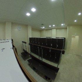 Раздевалка бассейна Теннис ру.