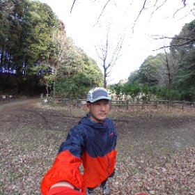 学校の課題レポートの気分転換に手賀の丘公園でランニング🏃🏻 適度な勾配があってなかなか良いトレーニング😊 #手賀の丘公園 #トレイルラン #theta360