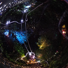 2021 5月江の島ミラーボールアートその8 Enoshima Mirrowball art no.8 暗闇の中でもミラボールのライト がきらきら!きれいでしたー! ドイツ式カイロプラクティック逗子整体院 www.zushi-seitai.com
