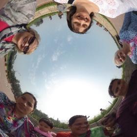 New friends at Raj Ghat, Delhi, india - Feb 11