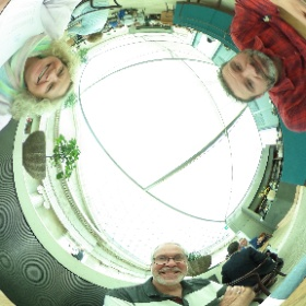 Just finished a lovely lunch with @SNHUPrez and his wife Pat. #theta360uk