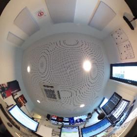 Radio Neckaralb Live GmbH & Co. KG Obere Wässere 6-8 72764 Reutlingen Tel: 07121/9458-900 www.neckaralblive.de  #theta360de