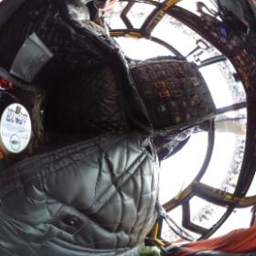 CH-47チヌークのコックピットにシータを突っ込んでみた!*\(^o^)/* #入間航空祭 #RICOH #THETA  #theta360