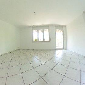 4.5 Zimmer Maisonette-Wohnung mit Balkon, Garage und Parkplatz in Grellingen zu verkaufen